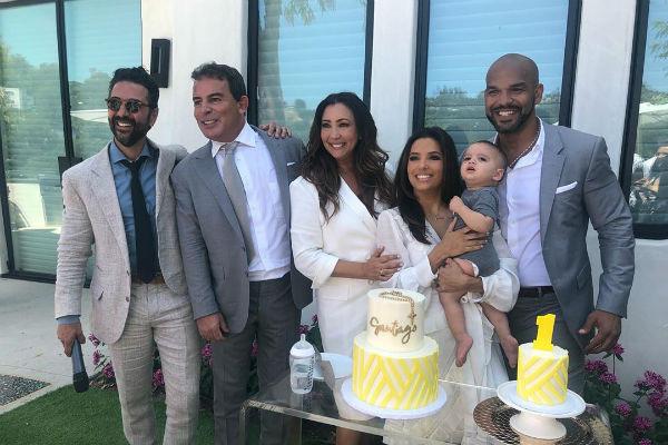 Актриса с друзьями и мужем на вечеринке в честь маленького Сантьяго