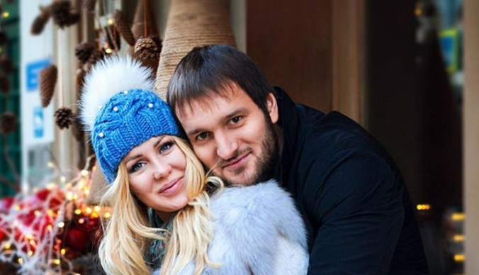 «Мы даже не целовались»: Алексей Самсонов оправдался за измены