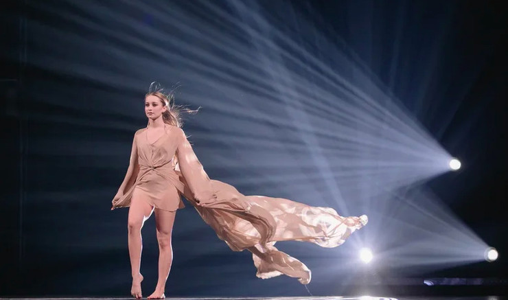 Ксения Горячева исполнила легкий и трогательный танец