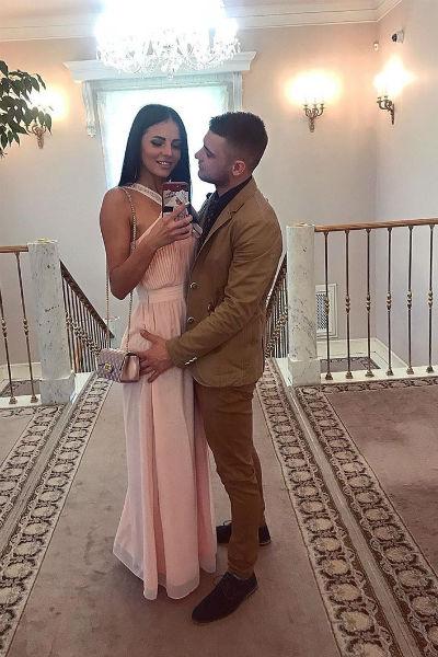 На церемонии Ольга появилась в элегантном платье в пол