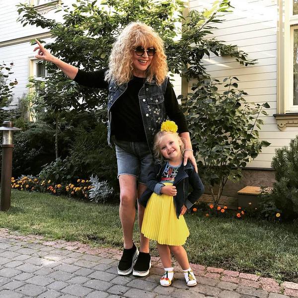 Лиза с мамой Аллой Пугачевой