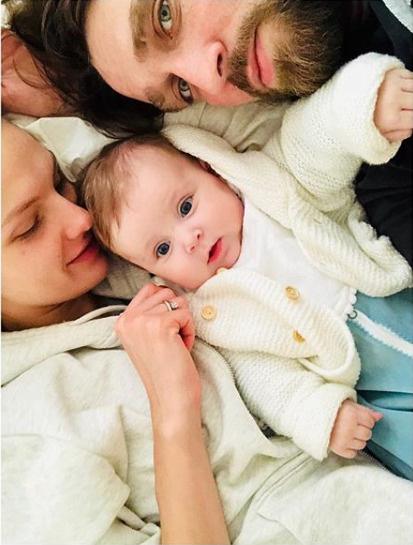 Мария Фомина с супругом и дочерью