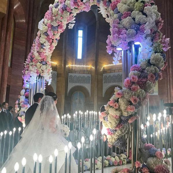 Таинство венчания проходило в армянской апостольской церкви
