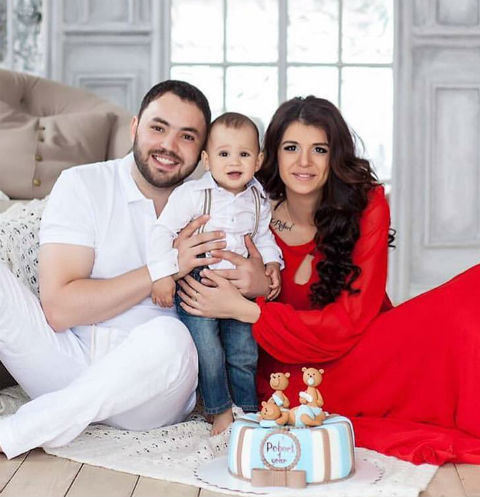 Александр и Алиана Гобозовы с сыном