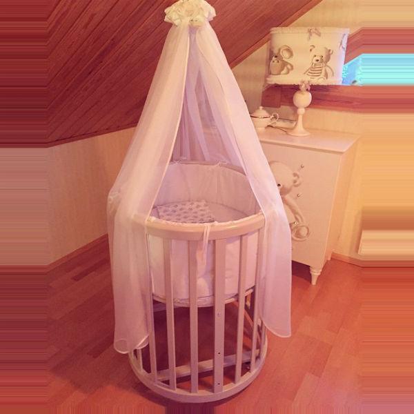 Актриса впервые показала комнату новорожденного сына