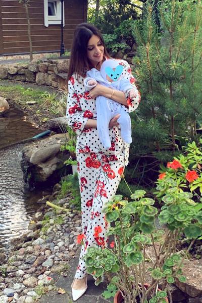 Сейчас Оксана с ребенком живет в Москве