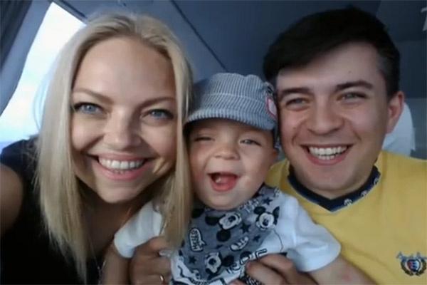 Лена Кукарская с мужем и сыном