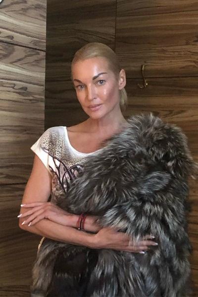 Анастасия Волочкова тратит минимум миллион рублей ежемесячно