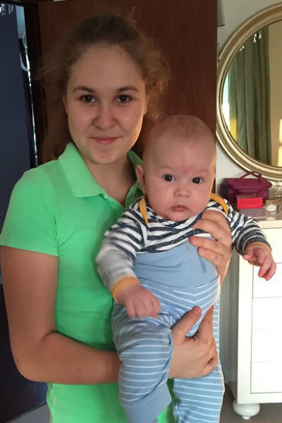Дочь Василисы Виктория и сын Вячеслав