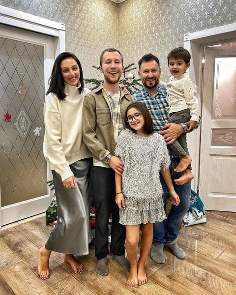 У отца Семена четверо детей в новом браке