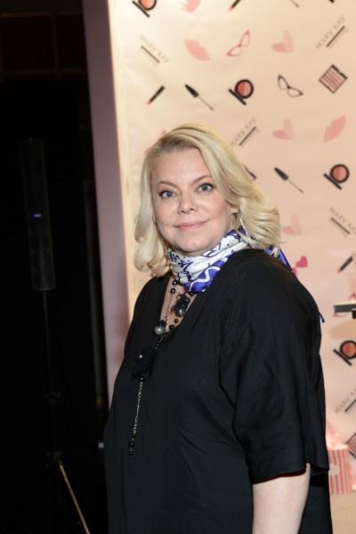 Яна Поплавская сыграла Красную Шапочку почти 42 года назад