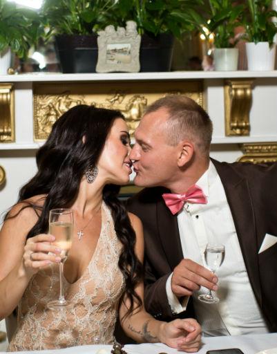 Беременная супруга Степана позволила себе один бокал шампанского