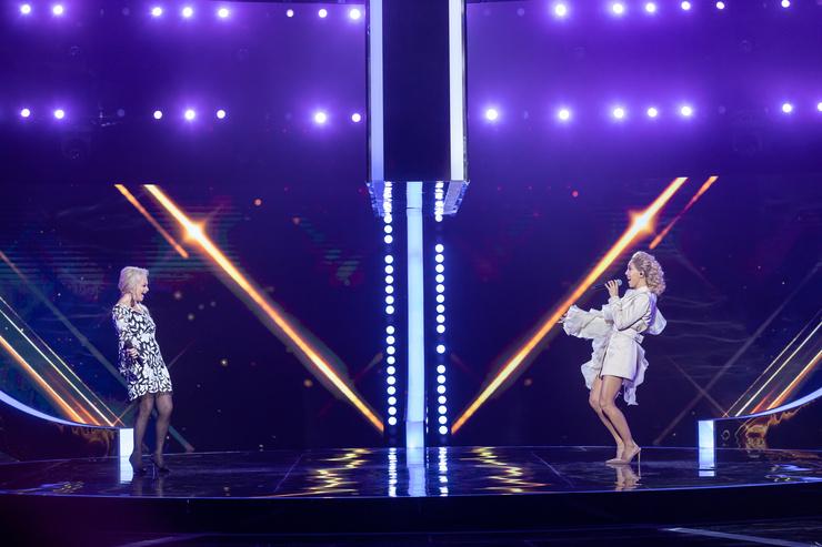 Лариса Долина и Карина Кокс до шоу записали совместную песню «Льдинка»