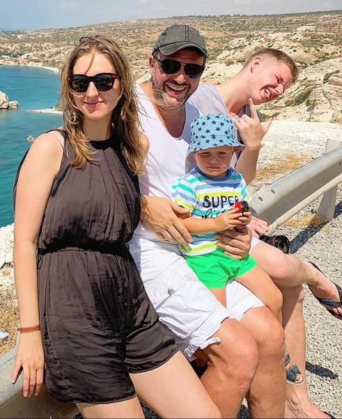 Максим Виторган с детьми