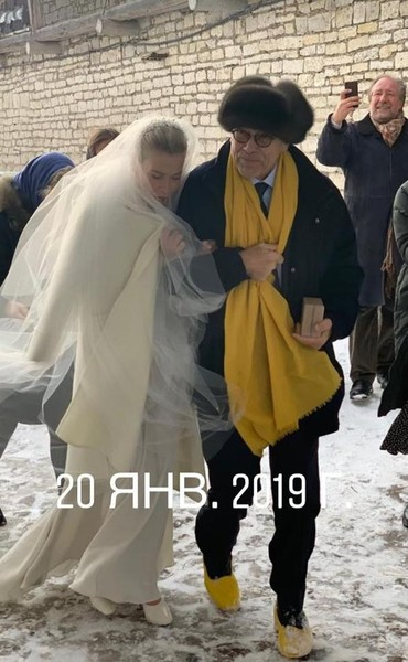 Юлия Высоцкая и Андрей Кончаловский в день свадьбы