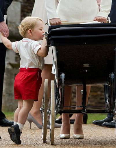 Маленький Джордж отличается любопытством