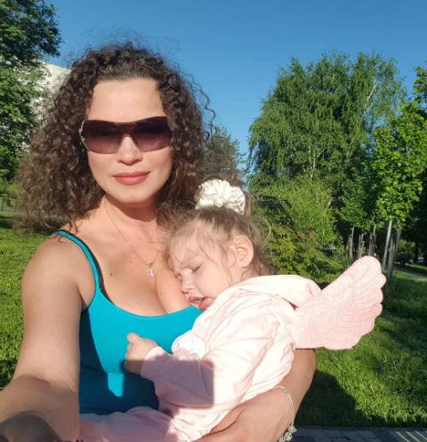 Наталия Устюменко с дочерью Агатой