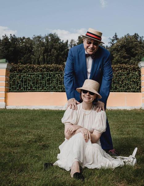 Сейчас Евгений Ваганович счастлив в браке с Татьяной Брухуновой