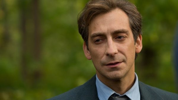 Артем Ткаченко играет роль сотрудника британской разведки