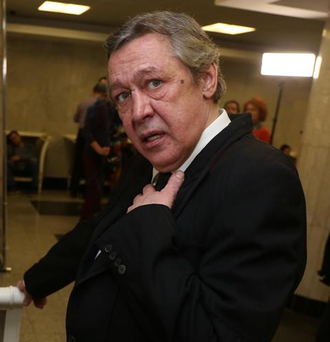 У Михаила Ефремова отсудили 117 тысяч из-за долгов за машину
