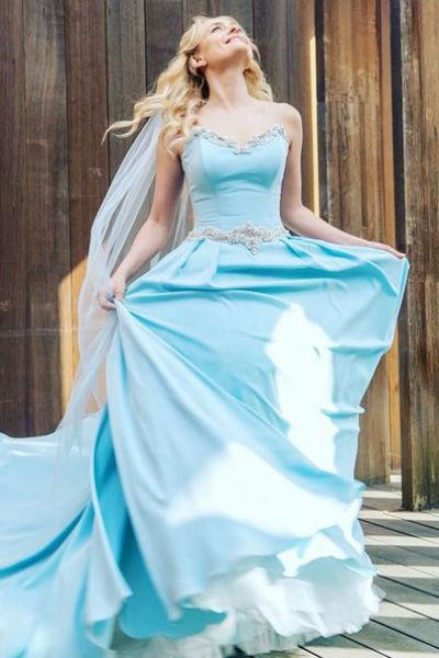 В этом платье певица вышла замуж в Париже