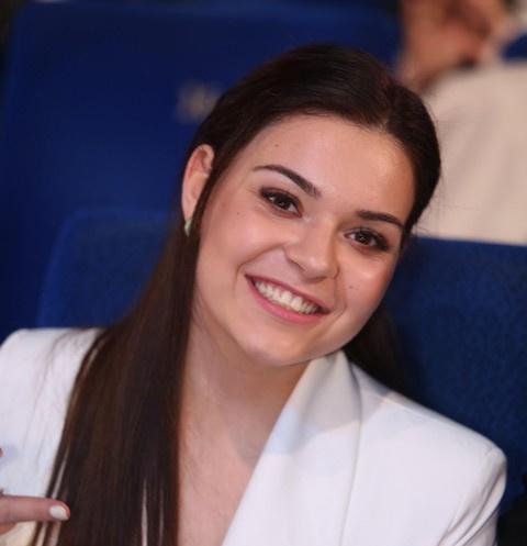 Уроки от чемпионки: Аделина Сотникова открывает школу фигурного катания