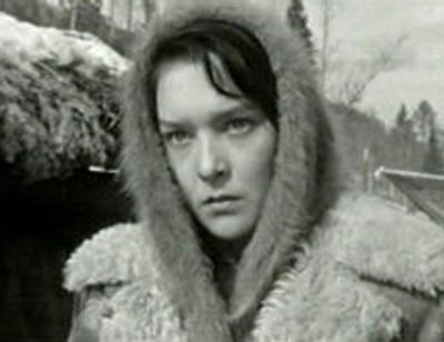 Близкие Александры Завьяловой рассказали правду об убившем ее сыне