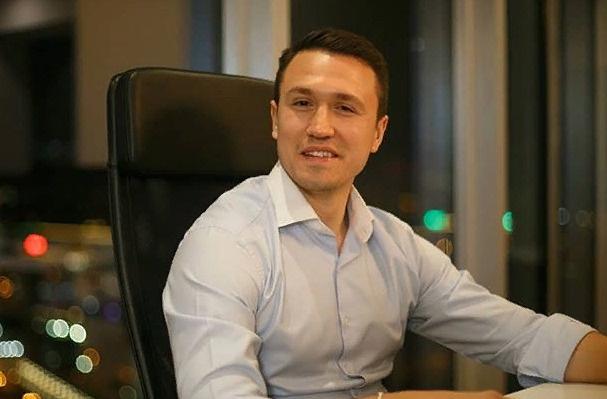 Миллионер Евгений Назаров намерен добиться расположения Бузовой