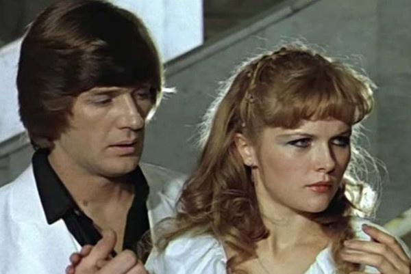 Александра Яковлева снималась с самыми известными актерами страны