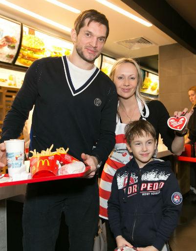 Мария Бутырская и Вадим Хомицкий с сыном