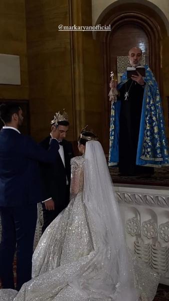 Венчание влюбленных было очень трогателньым