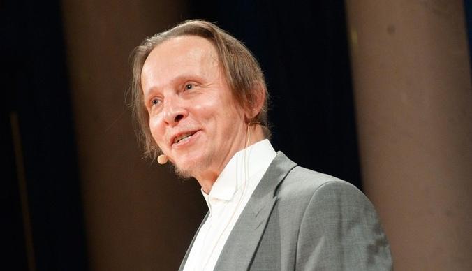 «Миша настаивает, что он уже умер»: Иван Охлобыстин оплакивает судьбу Ефремова