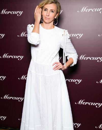 Светлана Бондарчук решила выбрать для себя белоснежное платье