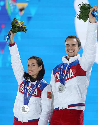 Ксения Столбова и Федор Климов, завоевавшие серебро на соревнованиях по фигурному катанию среди спортивных пар