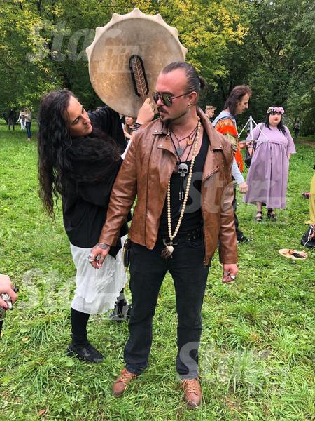 Steffania Vikka (Гербер Юлия), ведьма-практик, которая работает с силами природы, проводник в мир мертвых