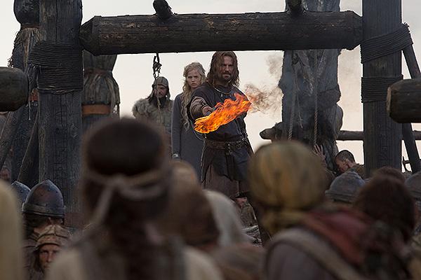 Многие считают, что натуралистические сцены и жестокость «Викинга» вполне оправданы