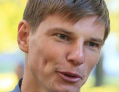 Андрей Аршавин не спешит отдавать Юлии Барановской квартиру