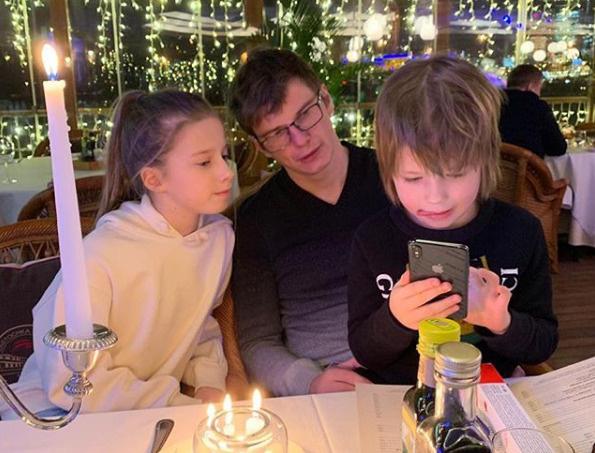 Год назад Аршавин возобновил общение с детьми от Юлии