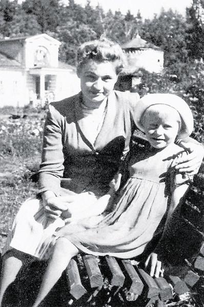 Ангелина Вовк с мамой Марией Кузьминичной