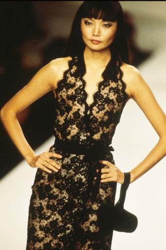 Ирина - первая  девушка с восточной внешностью, которая появилась на обложке Vogue