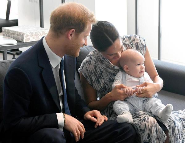 Меган и Гарри мечтают, чтобы их сына не преследовали папарацци