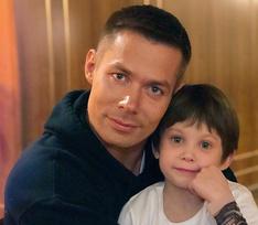 7-летнего сына Стаса Пьехи жестоко избили: он госпитализирован с многочисленными травмами