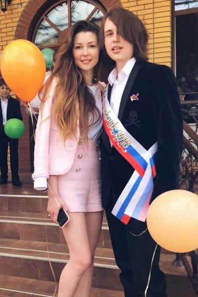 Анна и Майкл появились на свет в браке актрисы с Дмитрием Стрюковым