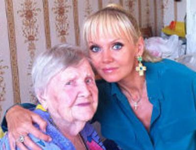 Валерия и Юлия Бордовских похвастались бабушками-долгожительницами