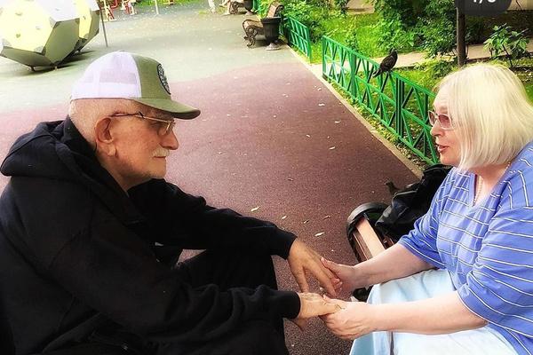 Несмотря ни на что, Армен и Татьяна снова держат друг друга за руку