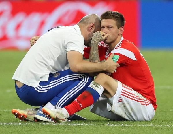 Кадр, который вошел в историю российского футбола: Федор Смолов не смог реализовать пенальти в ворота хорватов