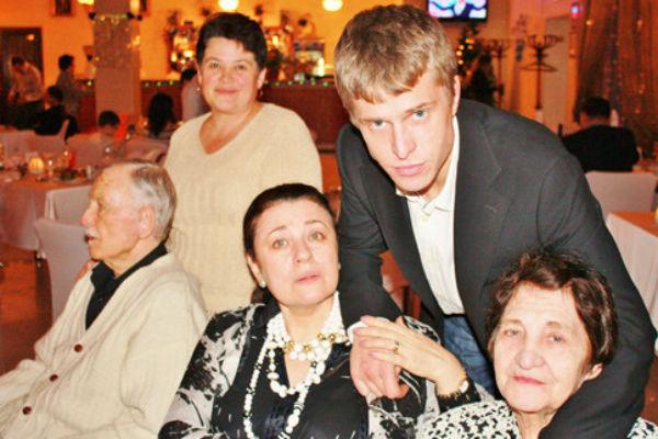 Последнее фото Валентины Толкуновой с мамой Евгенией Николаевной и сыном Николаем.1 января 2010 год.