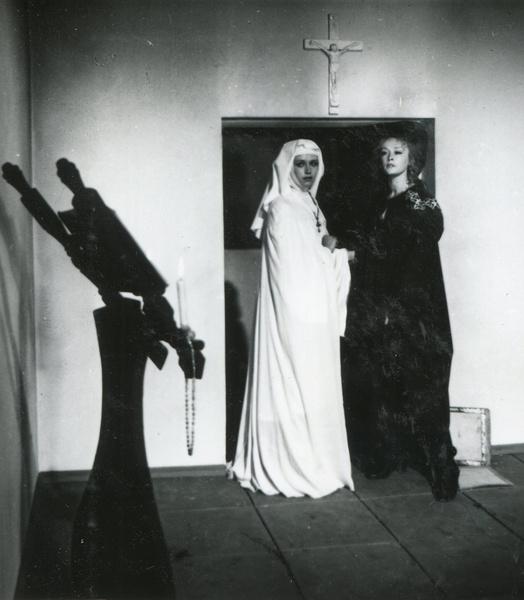 Маргарита Терехова и Ирина Алферова в сцене убийства Констанции