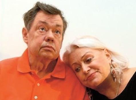 Любовница Николая Караченцова извинилась перед его женой