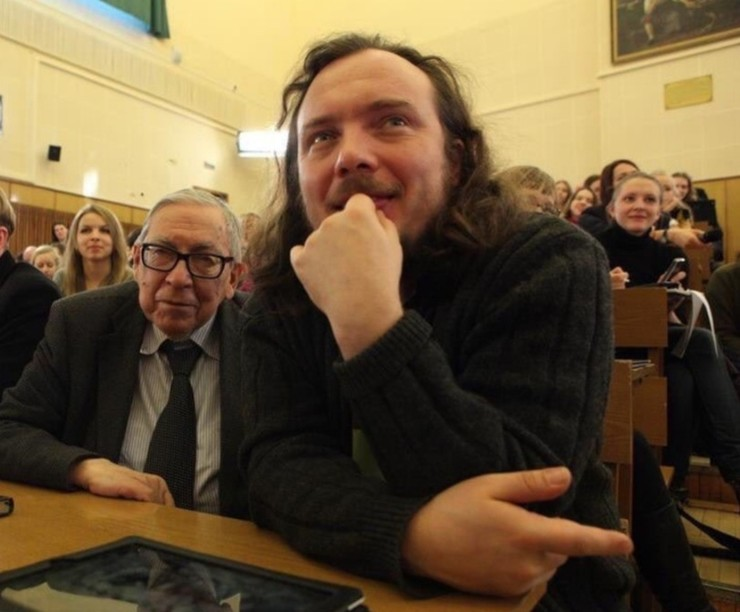 Иван Засурский поделился совместным фото с дедом
